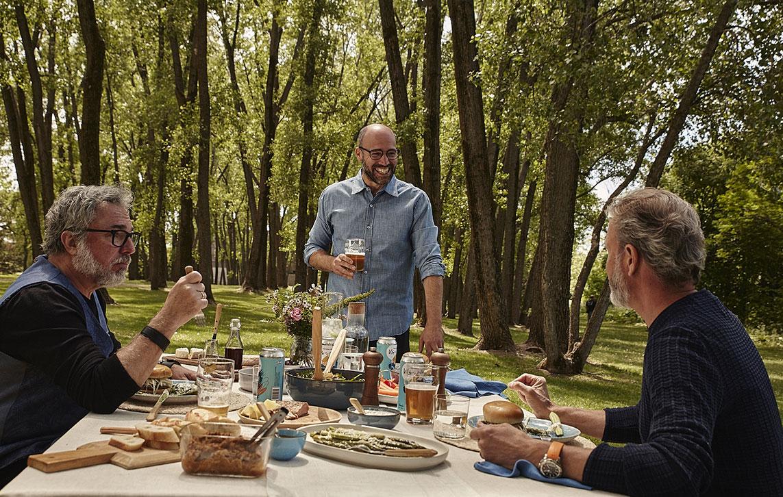 A picnic in the sun